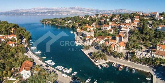 Građevinsko zemljište blizu mora, Splitska
