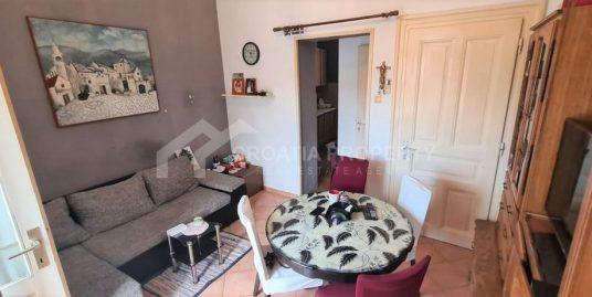 Prostrani stan u centru Splita