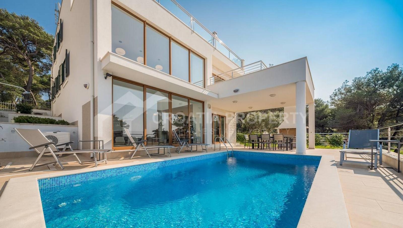 Luxuriöse Villa am Meer in Rogoznica