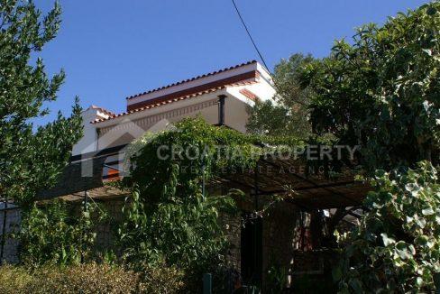 Vinišće beautiful house - 2276 - house front (1)